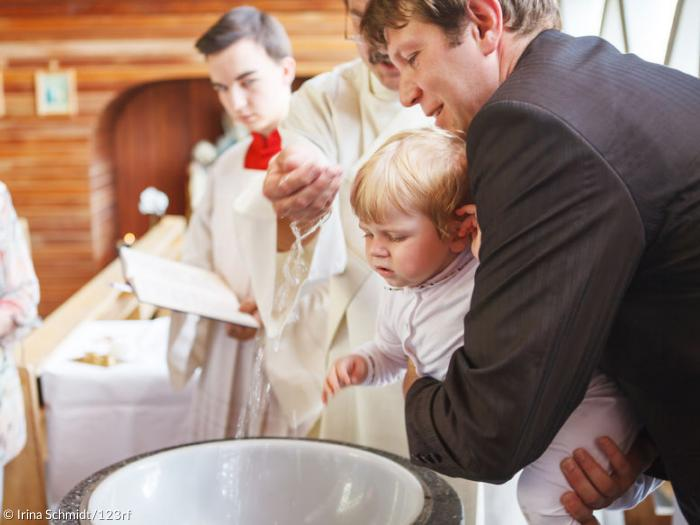 Die Schönsten Fürbitten Zur Taufe Sonntagsblatt 360 Grad