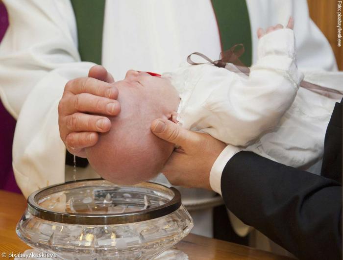 7 Fakten über Die Taufpatenschaft Sonntagsblatt 360 Grad