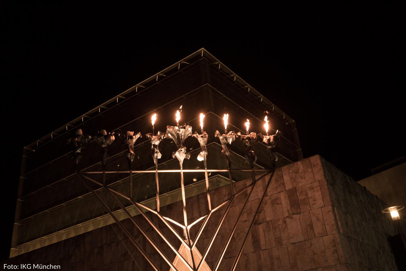 Chanukka-Leuchter am Brandenburger Tor wird entzündet